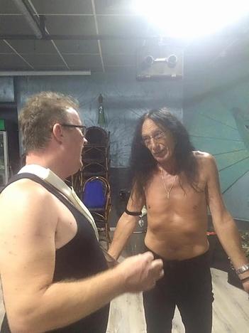 עם קן הנסלי (Uriah Heep)