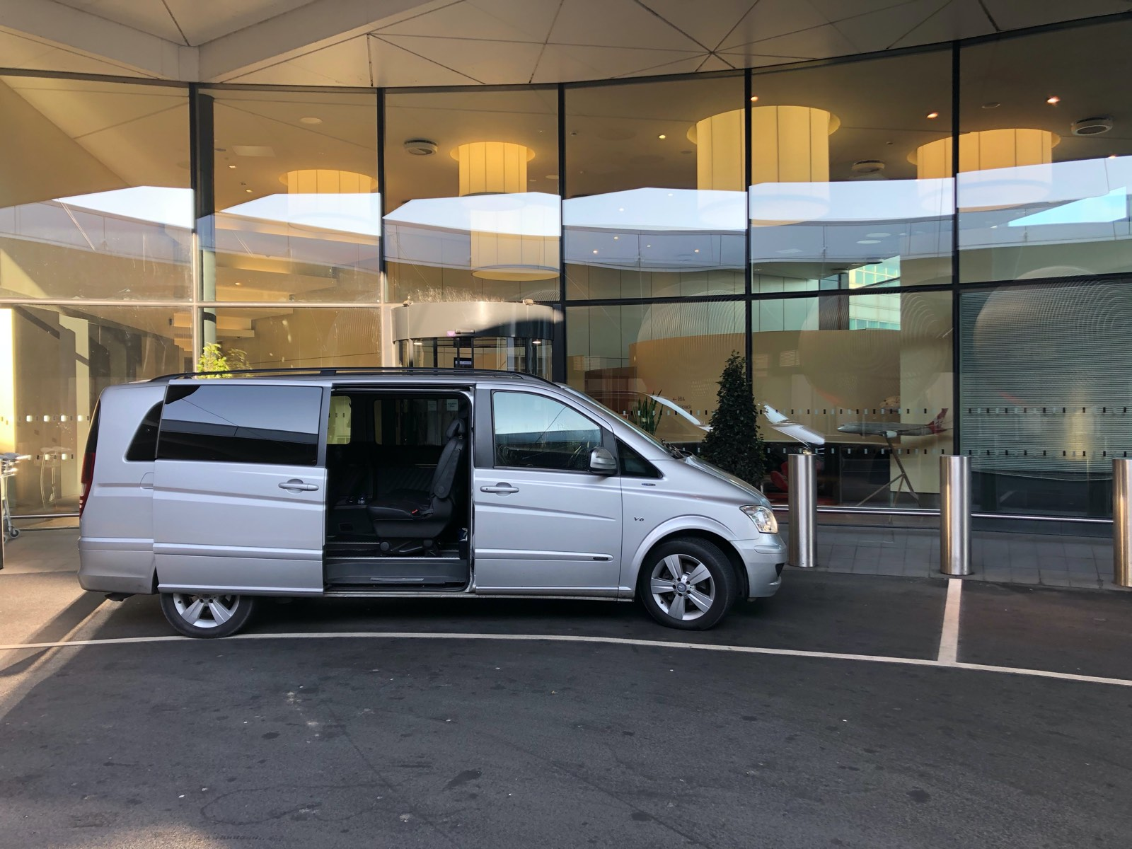 Our Mercedes Viano providing a Heathrow Airport Chauffeur Service to Virgin Upper Class Wing