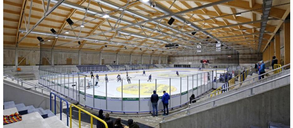 """""""Die neue Eiszeit""""                                SZ über Eisstadion Geretsried"""