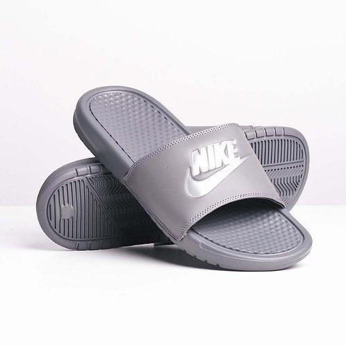 Chanclas Nike Benassi Just Do It Gris 343880-020