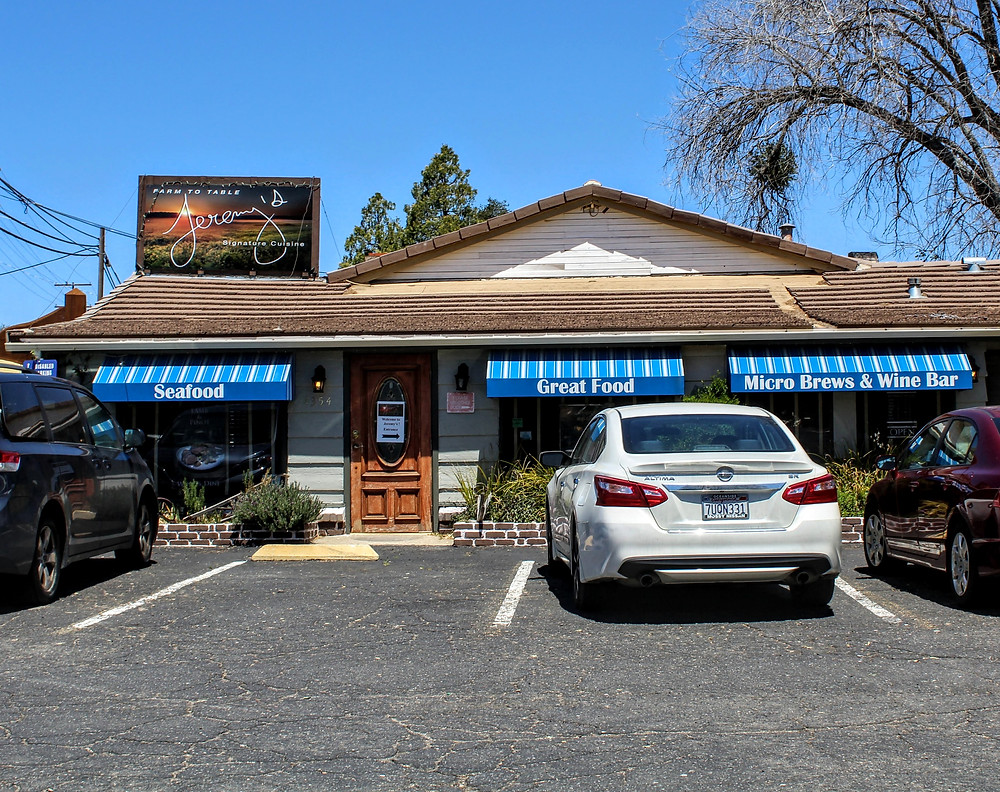 Jeremy's on the Hill | Places to eat in Julian, CA