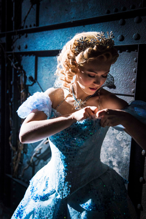 Glinda - Wicked - Savannah Stevenson