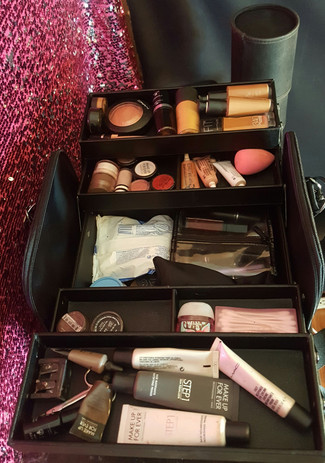 My new love ❤ Make Up For Ever travel case is amazing!