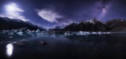 TASMAN LAKE, ICEBERGS