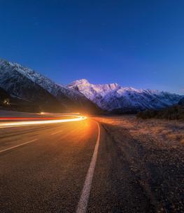 LIGHT TRAILS, MT SEFTON