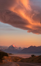 PETERS LOOKOUT LENTICULAR CLOUDS