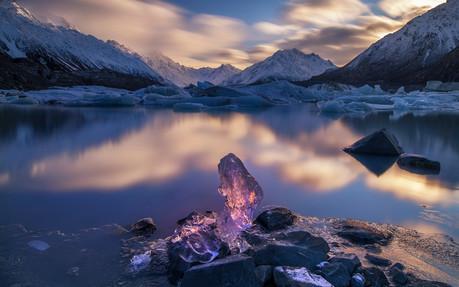 TASMAN LAKE, ICE BLOCK