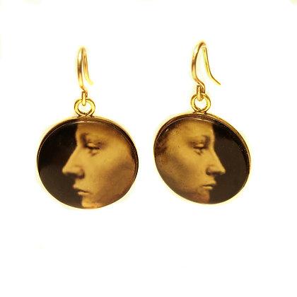 E70 Faces Droplet Earrings