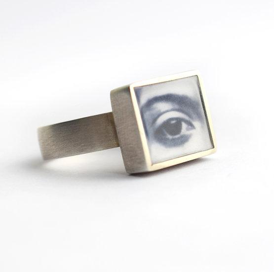 Large Silver Square Eye Ring