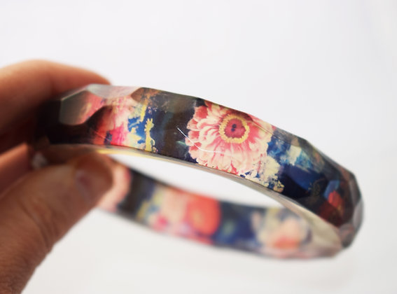 LARGE Indigo and Pink Zinnia Flowers Resin Bangle  ( IN STOCK)
