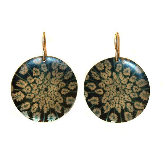 E303 Queen Anne's Lace  Disc Earrings