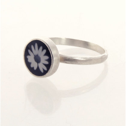 Tiny Black & White  Daisy Photo Ring
