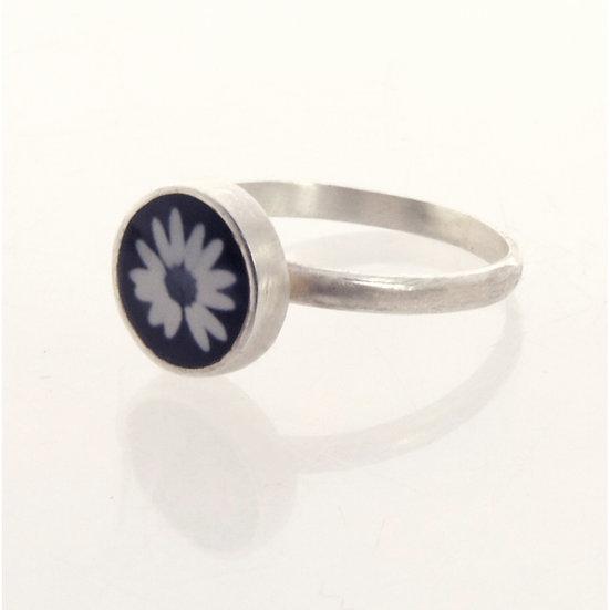 Tiny Black & White  Daisy Photo Ring