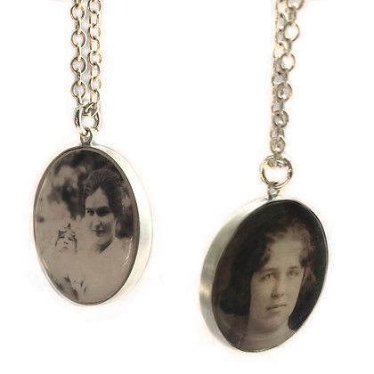Double-Sided Photo Charm 24mm