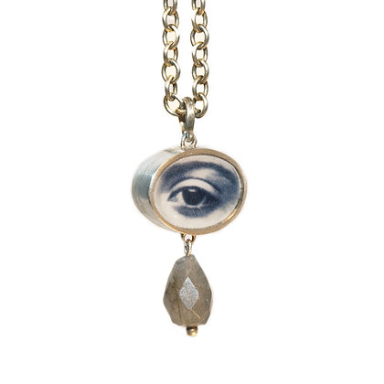 Oval Eye Photo Pendant