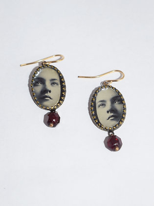 FACES Photo Earrings/IN STOCK/Brass & Garnet