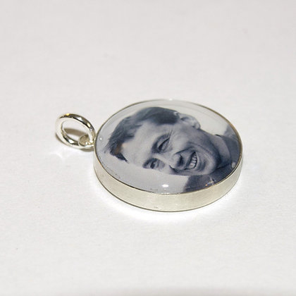 Photo Charm/Pendant/Silver 18mm with Glass/Personalized