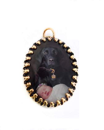 Photo Pendant/Charm/Necklace/ 25x18mm Brass Crown Edge Oval with Glass