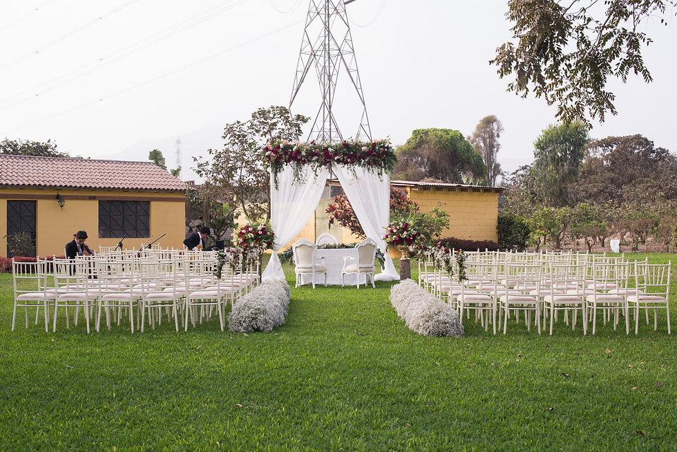 altar boda campo