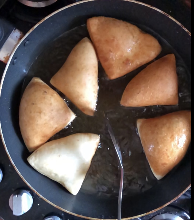 mandazi-mahamri-just-frying-east-african