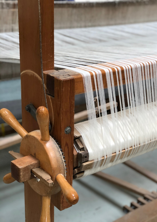 wooden-loom-handloom-traditional-tool-we