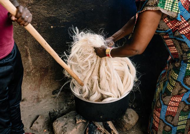 dyeing-sisal-threads-amsha-rwanda