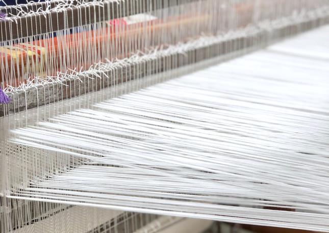 white-cotton-hand-spun-threads-weaving-w