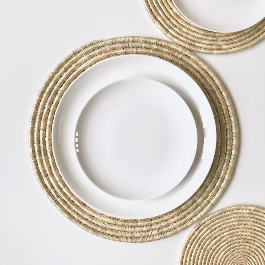 place-mats-round-hand-woven-natural-gras