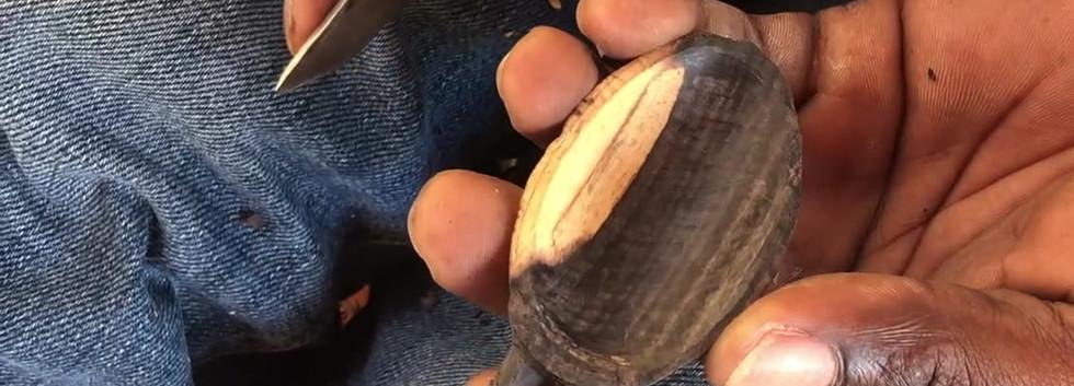 carving-blackwood-mpingo-scoops-makonde-