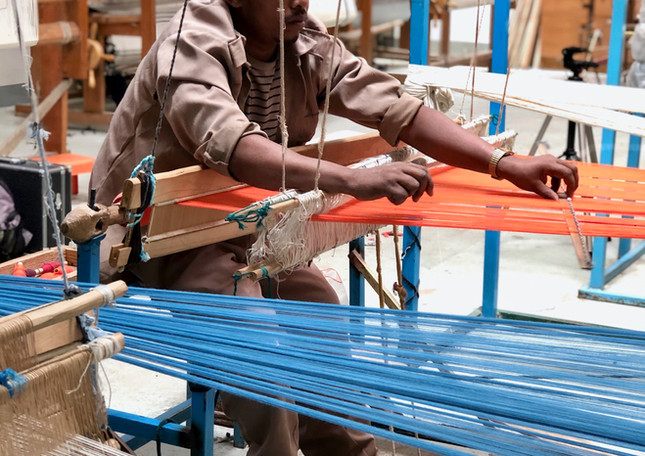 artisan-cherfu-weaving-byhand-weaver-woo
