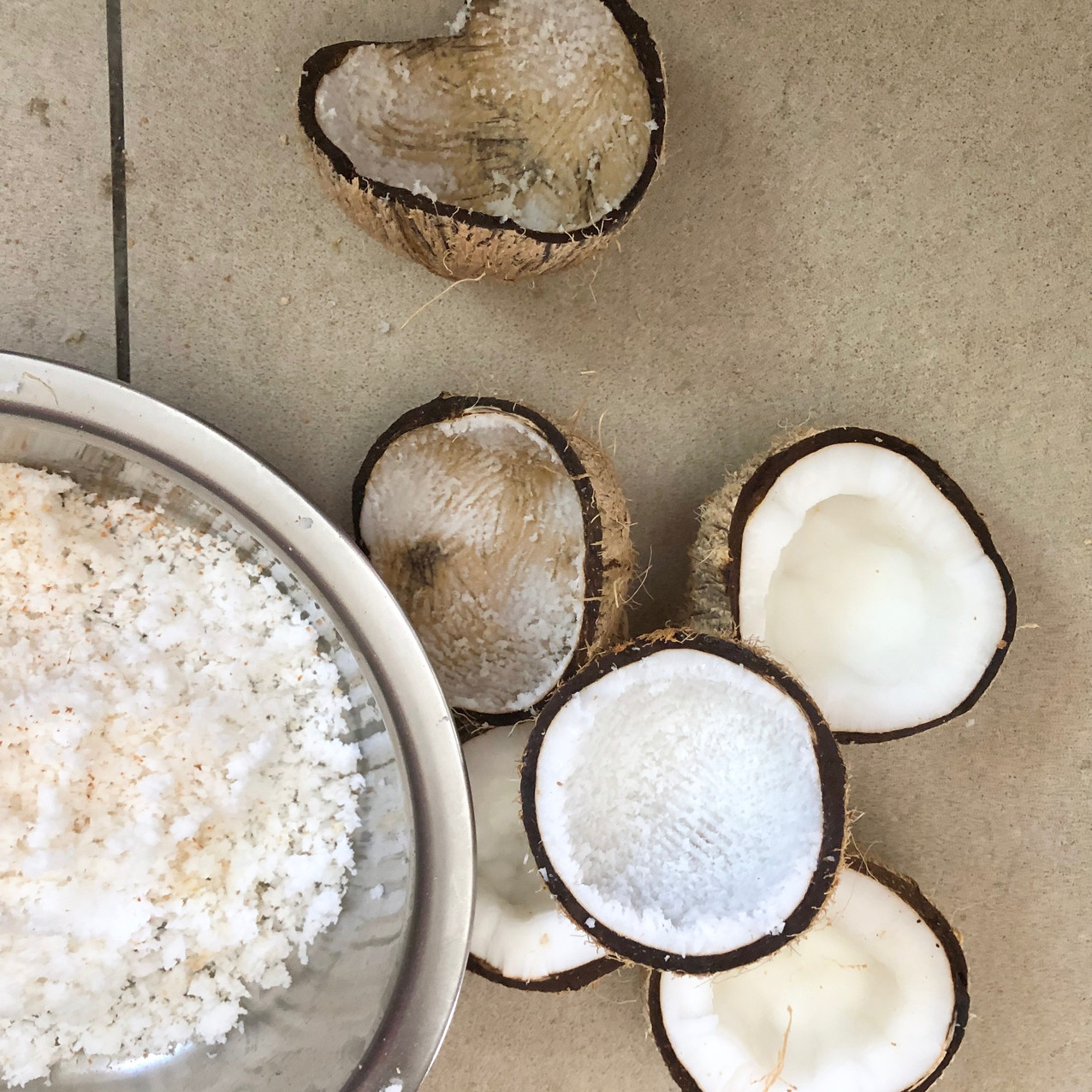 grated-coconut-fresh-youngcoconut-natura