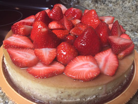 Vegan Cheesecake with Strawberries