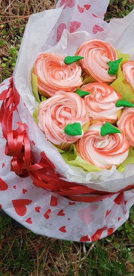 Swirled Buttercream Cupcake Bouquet