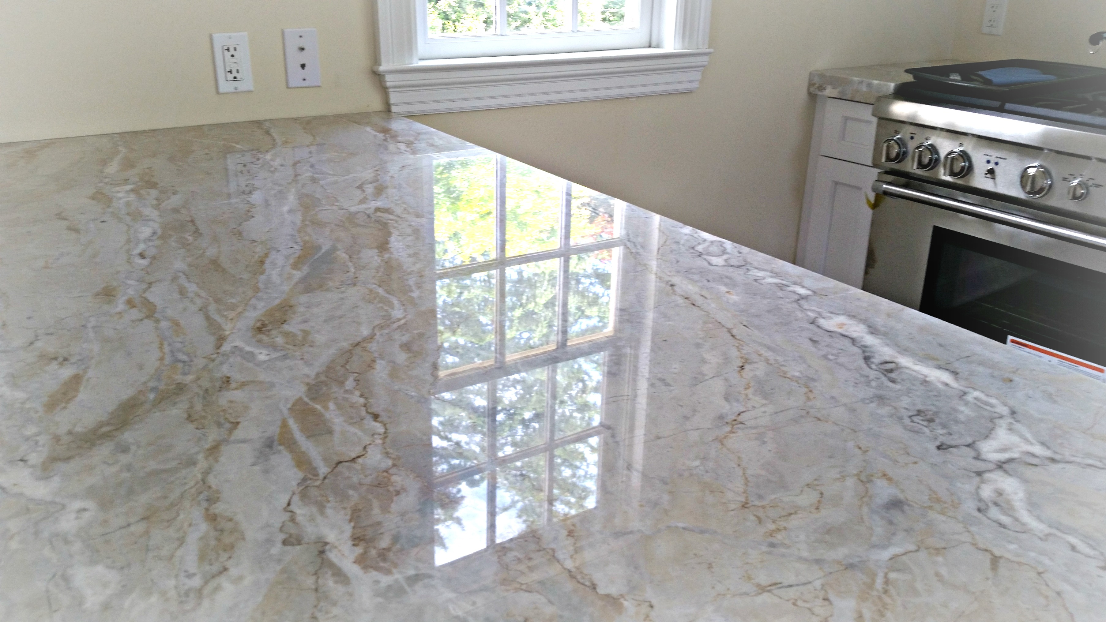Dolce Vita Quartzite Top