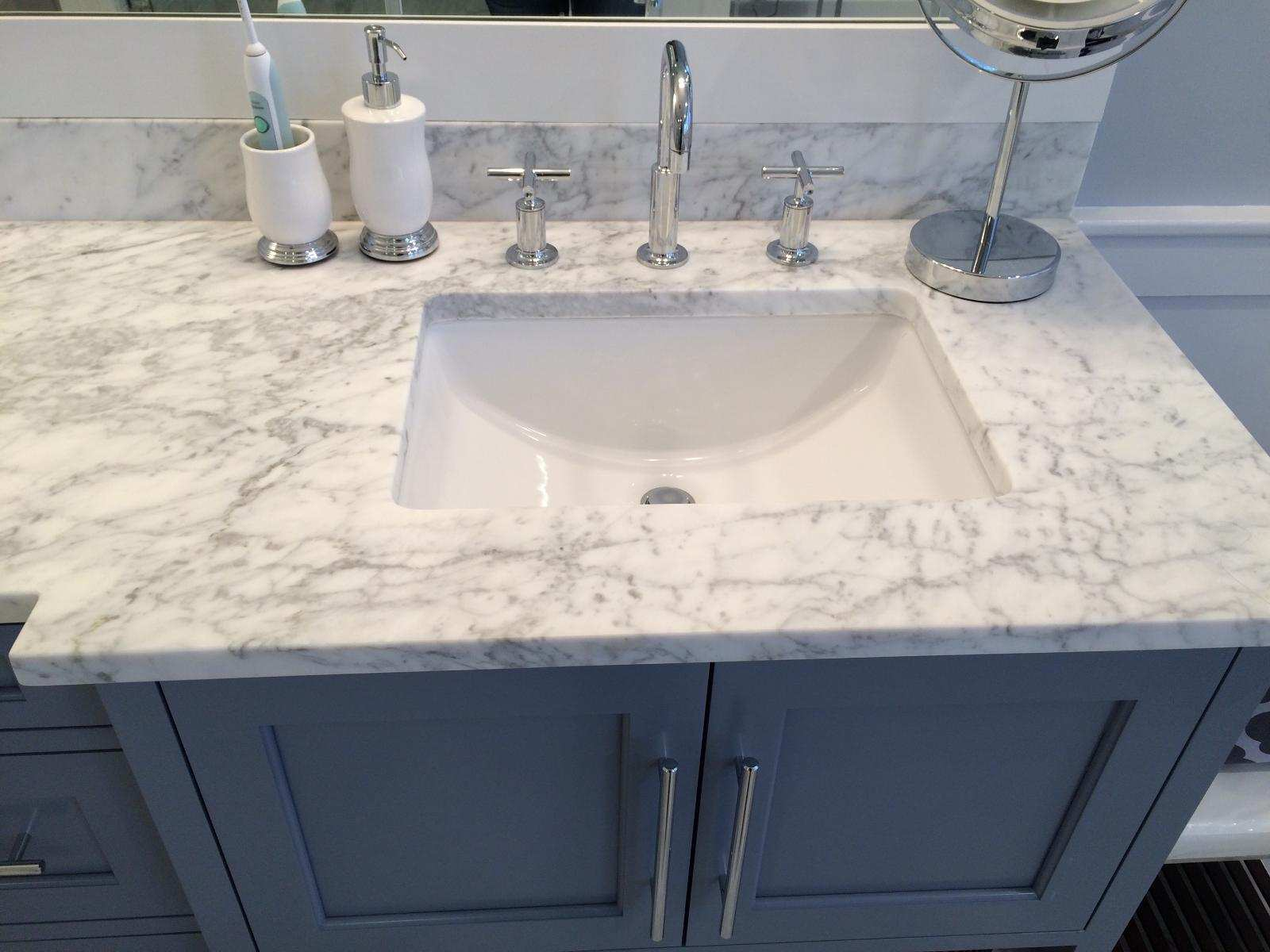 Small radius porcelain sink