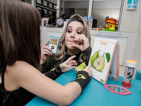 """Esperar o """"tempo de cada criança"""" pode atrasar diagnóstico e tratamentos"""