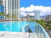 Hawaiki Tower, Pool, Wave wall, infinity pool, views