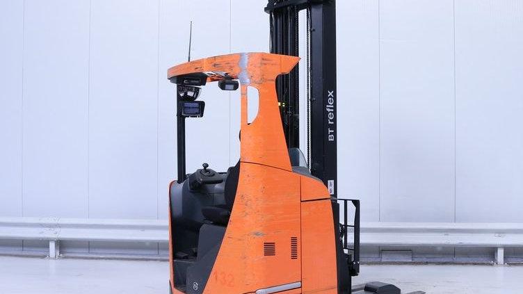 Retrátil empilhador BT RRE160 E