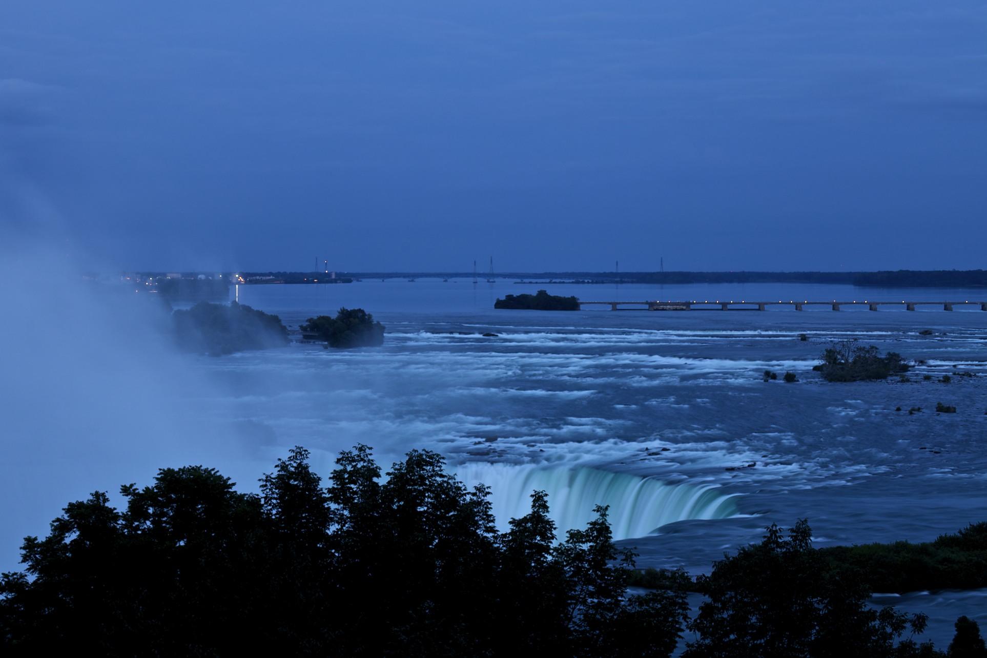 Blue Hour @ Niagara