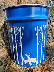 Hirsch, Wald, blau.jpg