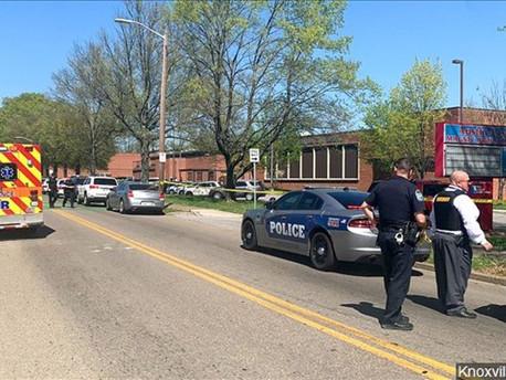 Reportan múltiples víctimas en tiroteo en una escuela de Tennessee
