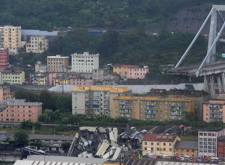 """""""Inmensa tragedia"""": Decenas de muertos al derrumbarse un puente de una autopista en Génova"""