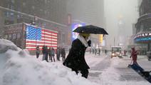 Declaran a Nueva York en estado de emergencia por la tormenta Mas de 300 vuelos cancelados.