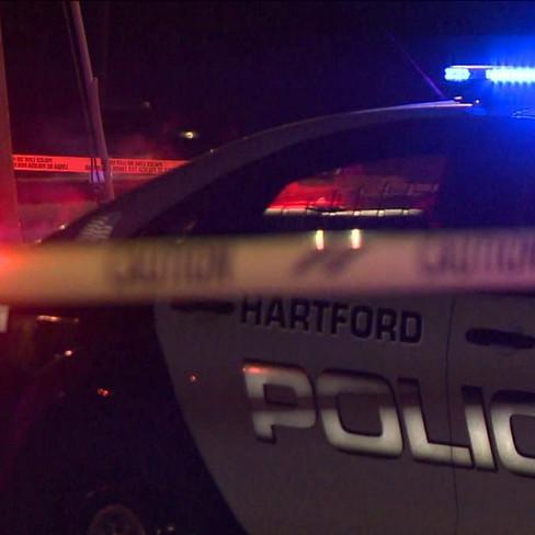 Madre de Stamford asesinada y cuatro personas baleadas, en un estacionamiento del East Side