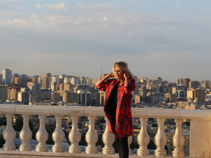 «Азербайджан мистическая страна! Я никогда не забуду проведенное в Азербайджане время.» Джоана Ламл