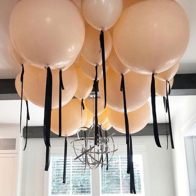 luxe plafond de ballons hélium
