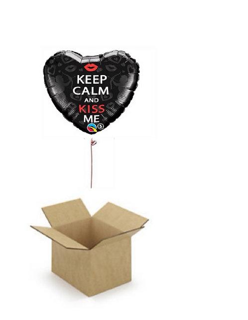 KEEP KALM AND KISS ME