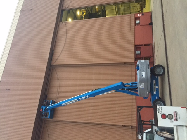 Building 2280 Hanger Door