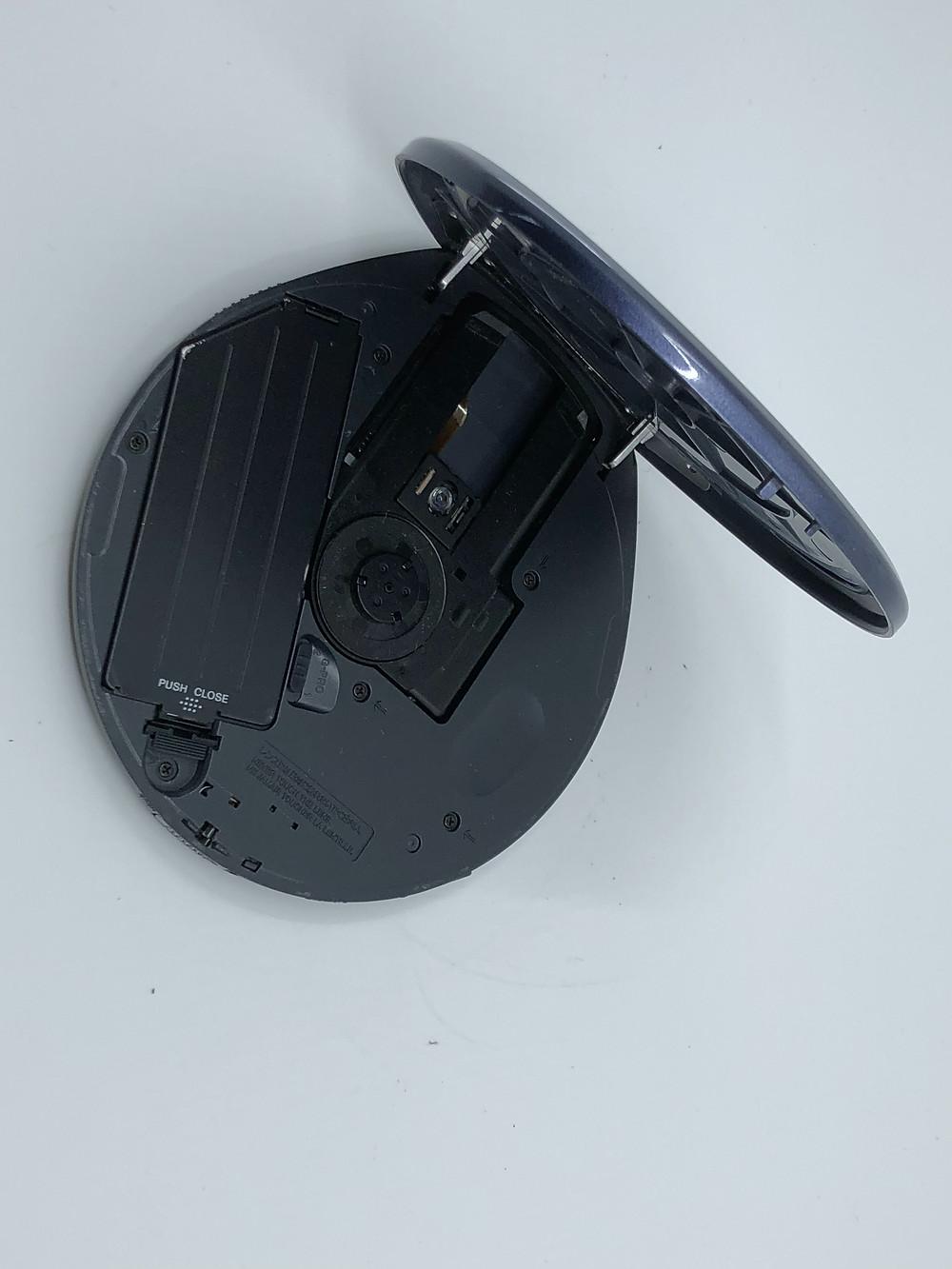Sony CD Walkman D-EJ825 Portable CD Player