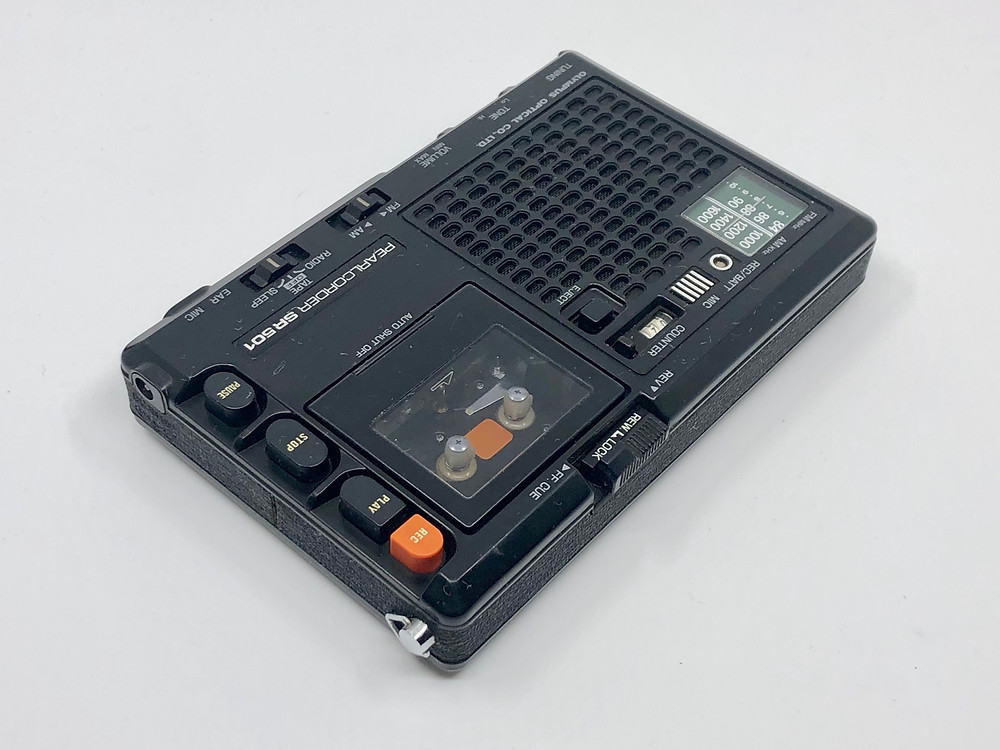 Olympus Pearlcorder SR501 Micro-cassette Recorder with Radio